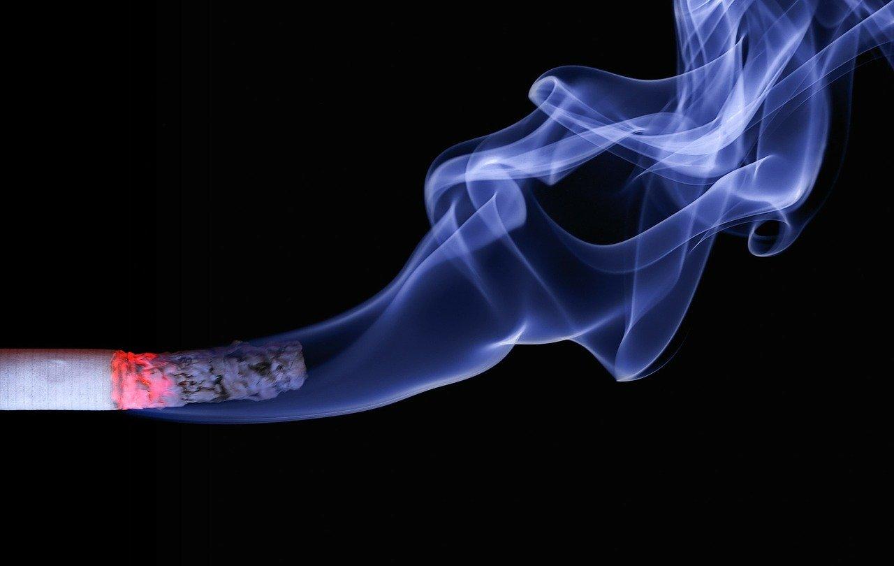 foto van cigarette van pixabay
