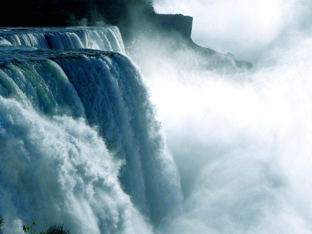Afbeelding niagara-falls van urformat via Pixabay